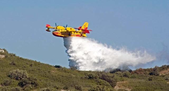 A Calampiso le fiamme mettono in fuga tutti i villeggianti. La Provincia di Trapani come altre zone della Sicilia devastata dal fuoco