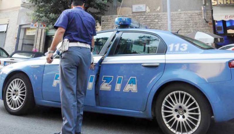 Palermo: assaltano automobilisti fermi al semaforo e li rapininano