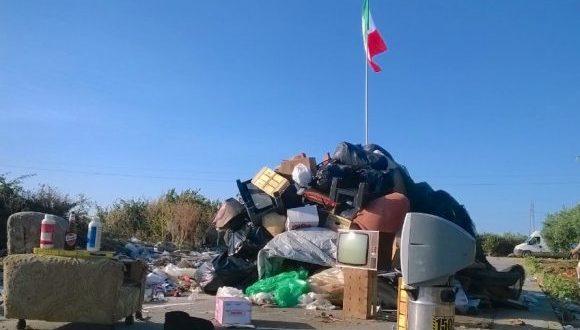 """Selinunte: impazza la """"stagione"""" dei rifiuti"""