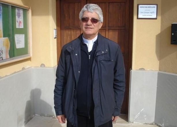 Palermo :Don Meli torna a visitare l'albergheria e viene accolto con tanto affetto
