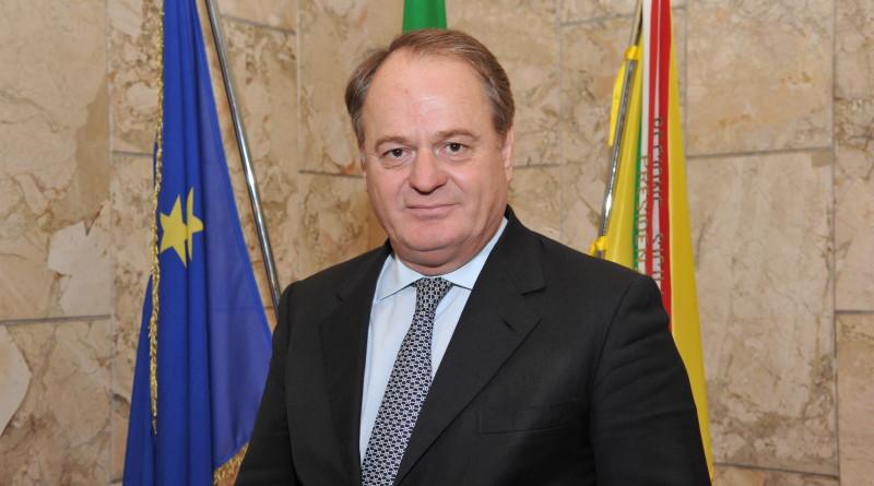 Forestali, arriva l'aumento di 80 euro in busta paga, Cracolici firma il provvedimento