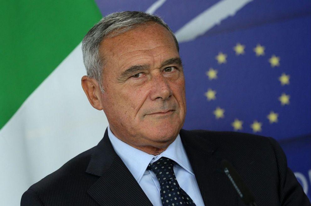 Terremoto nel PD, il presidente Grasso lascia