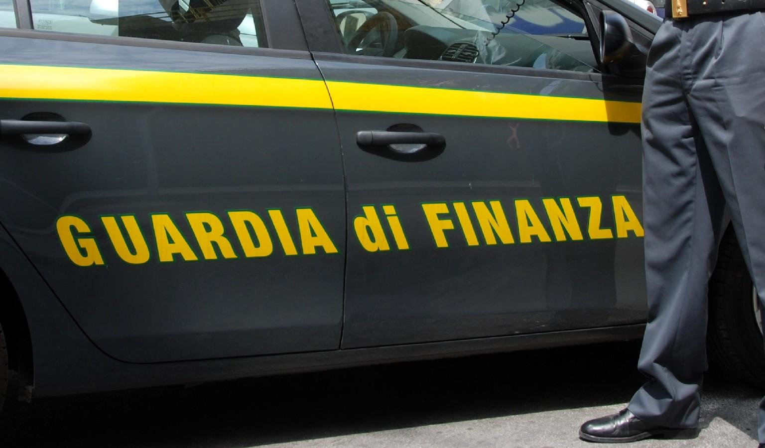 La Guardia di Finanza sequestra  i conti correnti ad un  Notaio di Sciacca
