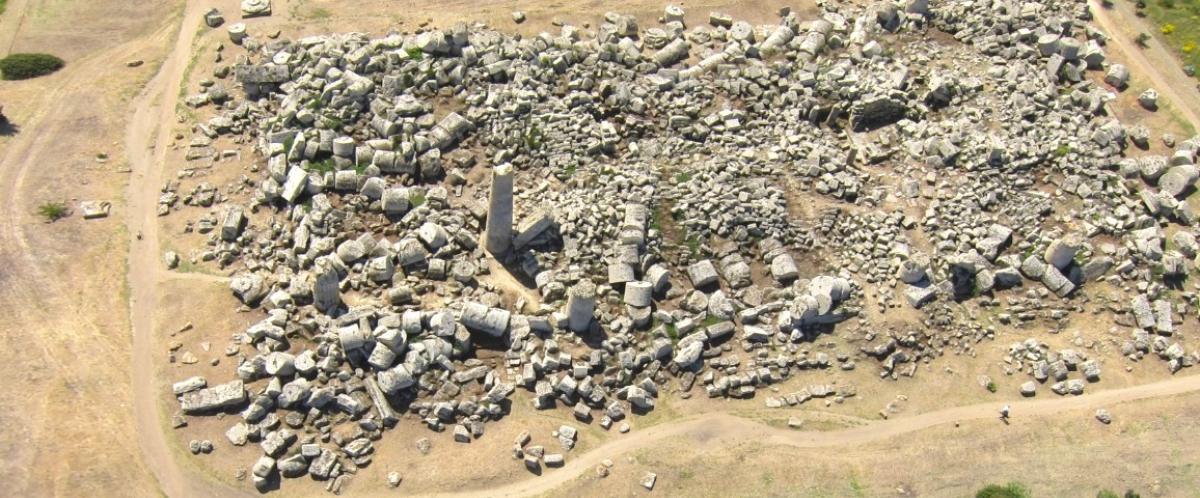 E Sgarbi prova a ricostruire il Tempio G di Selinunte