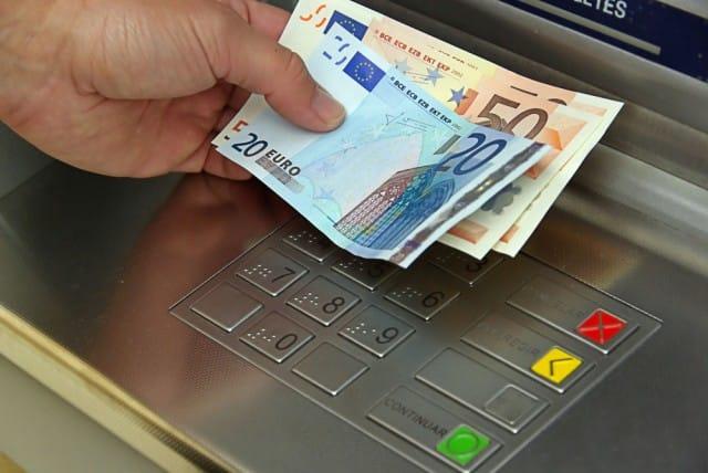 Castelvetrano: il misterioso paradosso tra gli oltre 700 milioni di euro depositati nelle banche e la grave crisi occupazionale