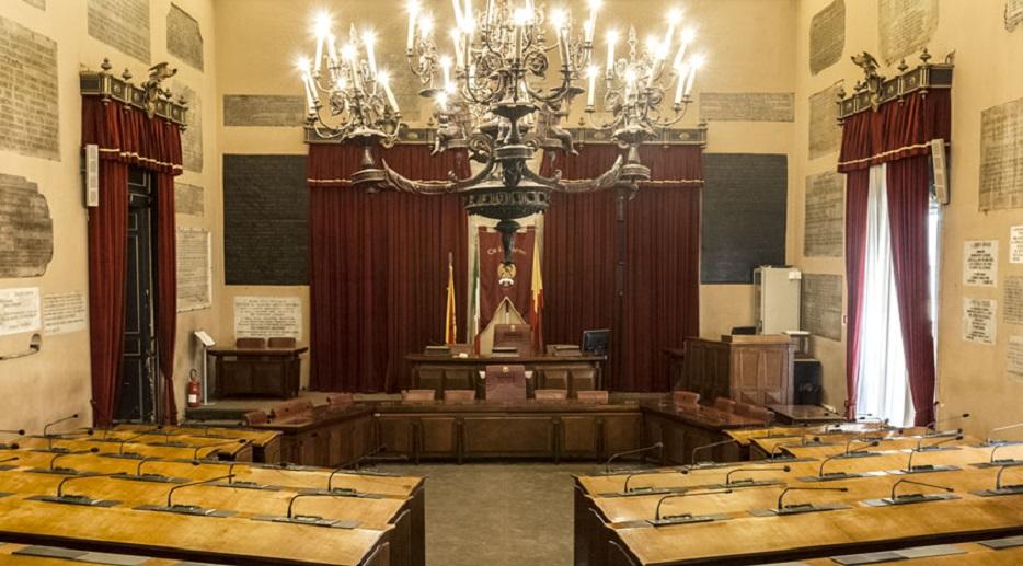 Palermo: il solito giochetto dei consiglieri comunali assunti fittiziamente finisce sotto inchiesta