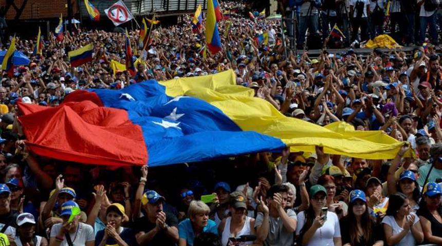 Venezuela: Save the Children, centinaia di donne con gravidanze ad alto rischio raggiungono la clinica dell'Organizzazione al confine con la Colombia