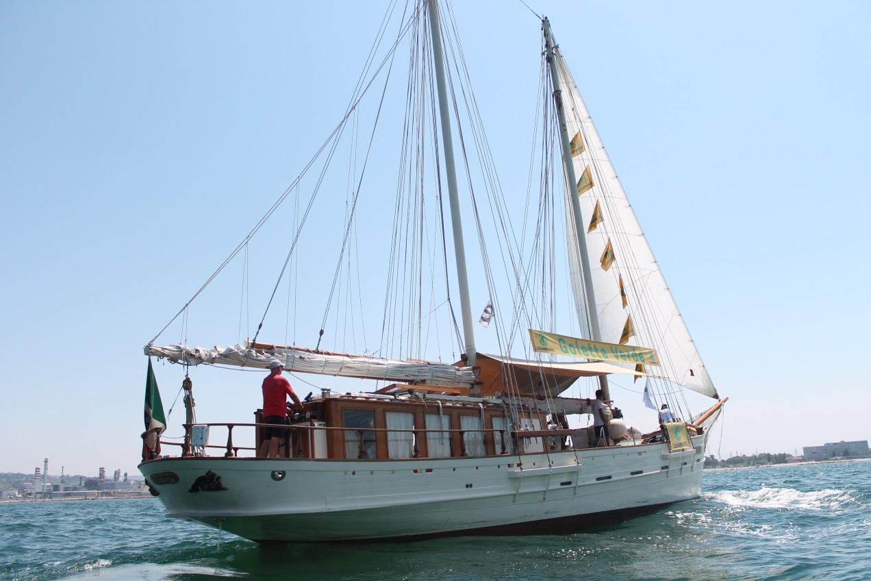 Goletta Verde di Legambiente a Pozzallo con gli equipaggi delle Ong che salvano vite in mare