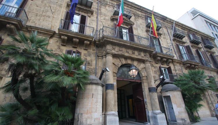 La Regione Siciliana e i vitalizi che non si devono toccare anche per gli eredi. Un lusso che costa 18 milioni di Euro