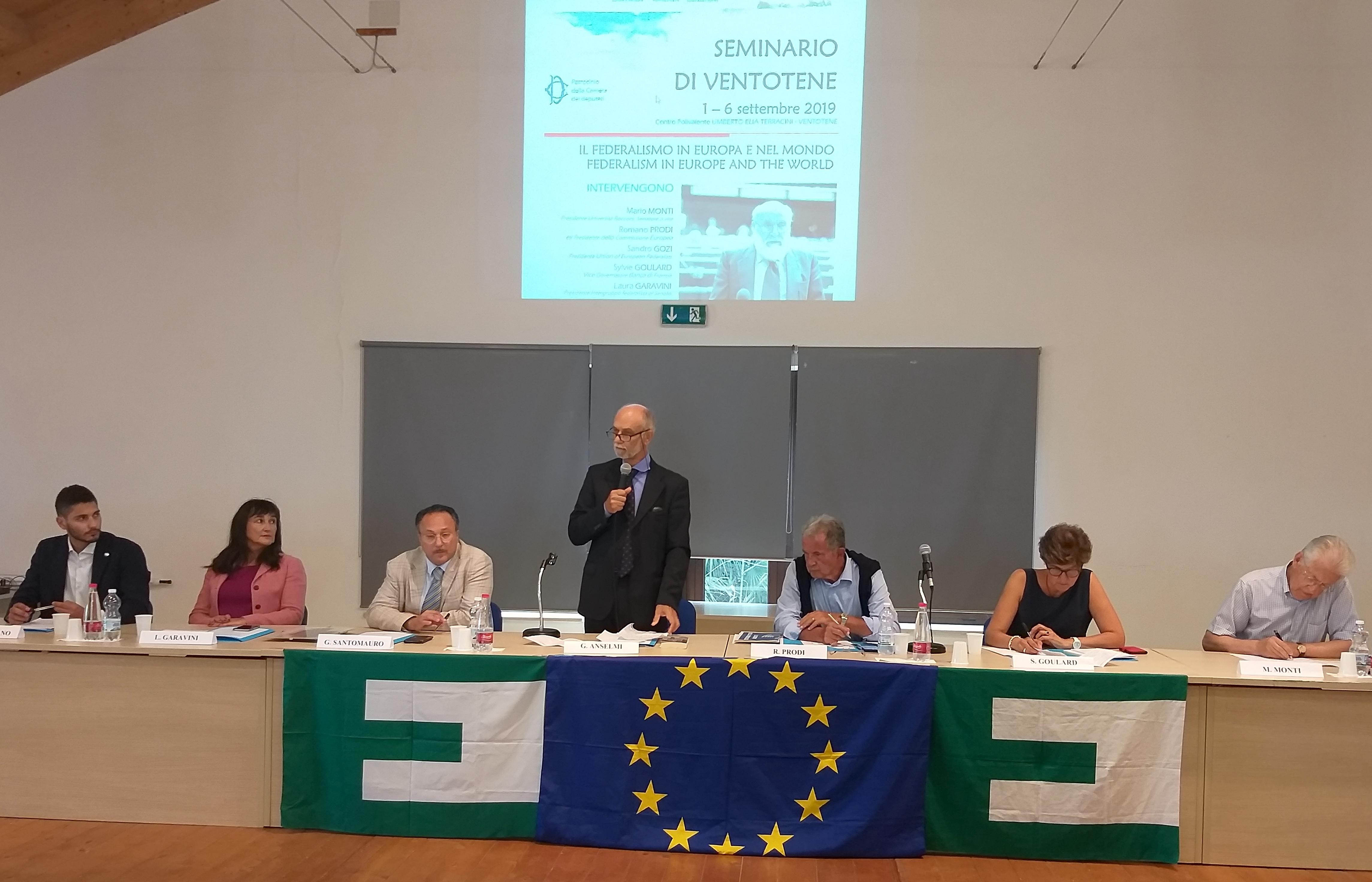"""Prodi: """"Non c'è Europa senza l'Italia"""" – Goulard, Monti e Prodi all'apertura del Seminario di Ventotene"""