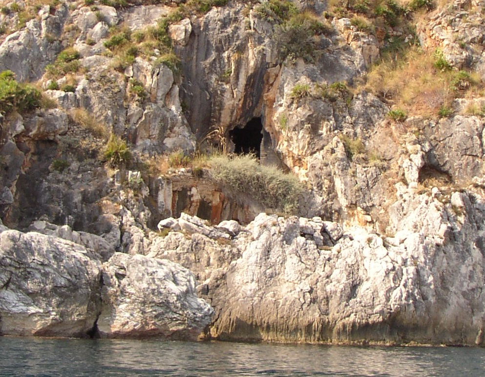 Castellammare del Golfo, Conferenza sul tema: Gli affreschi della Grotta di Santa Margherita