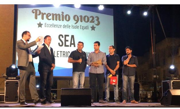 """LA SEA INSIGNITA DEL """"PREMIO ECCELLENZE 91023"""" PER """"FAVIGNANA ISOLA SOSTENIBILE"""