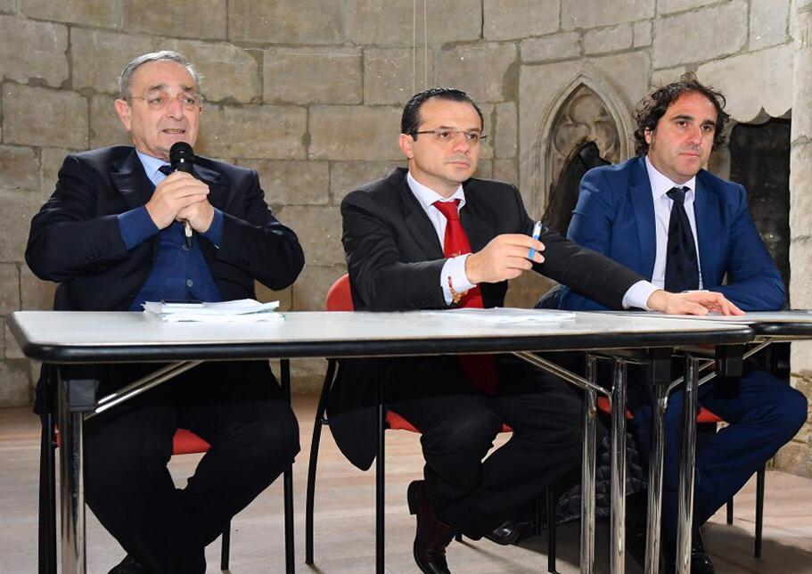 PROCESSO SINDACO DE LUCA, PARLANO I SUOI LEGALI