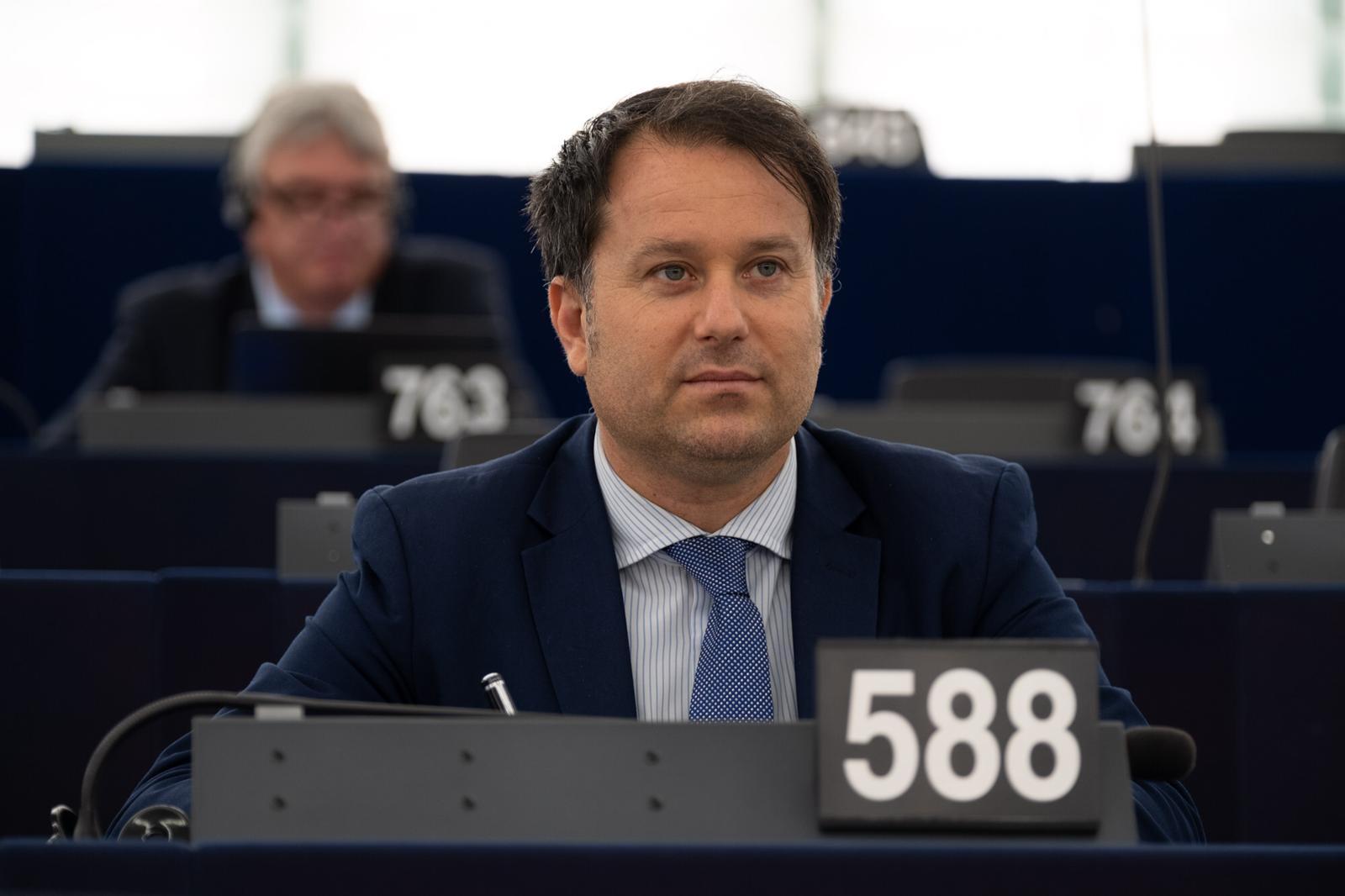 UE, Commissione Agricoltura, passa emendamento di Milazzo (FI-PPE) sui finanziamenti per riconversione agrumeti e uliveti danneggiati da fitopatie: