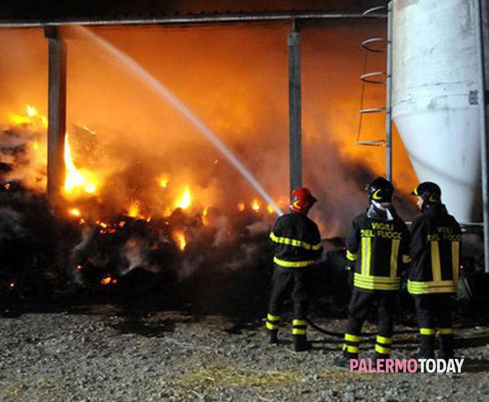San Giuseppe Jato: grave gesto intimidatorio, in fiamme autoparco della ditta  di rifiuti