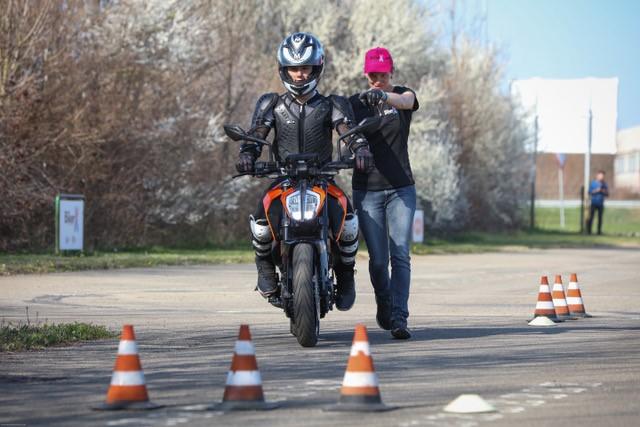 """Sicurezza stradale, Bergamo, BikerX al fianco di Polizia Stradale e INAIL con il progetto """"Strade Sicure"""""""
