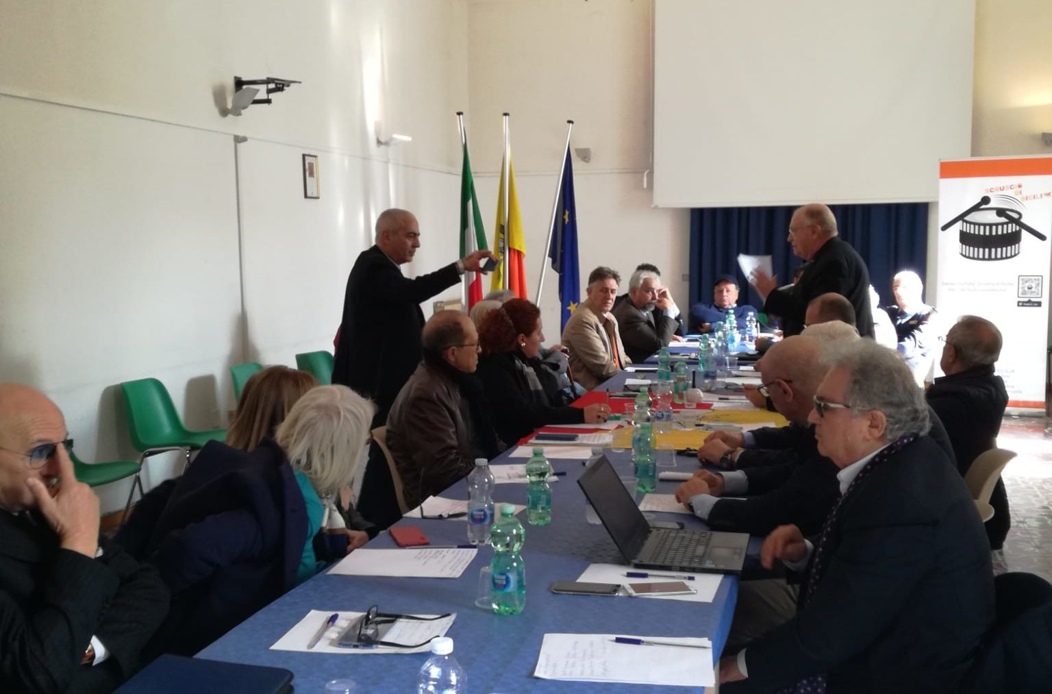 Il tavolo blu dei movimenti dà vita alla formazione politica dei Siciliani