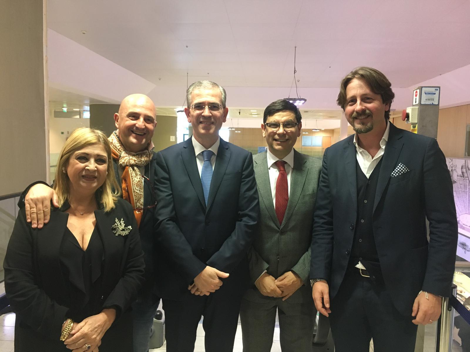 Tre assessori, un dirigente e un deputato regionale per affermare che il governo siciliano sta con Birgi