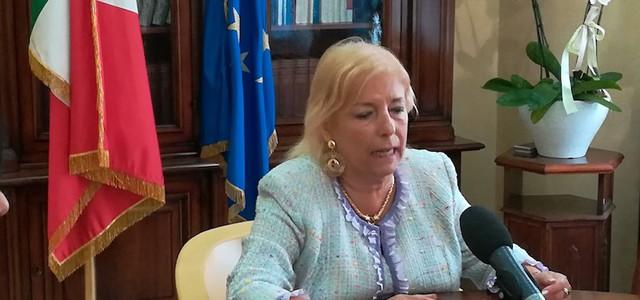Il Prefetto di Cosenza Paola Galeone filmata mentre intasca una mazzetta