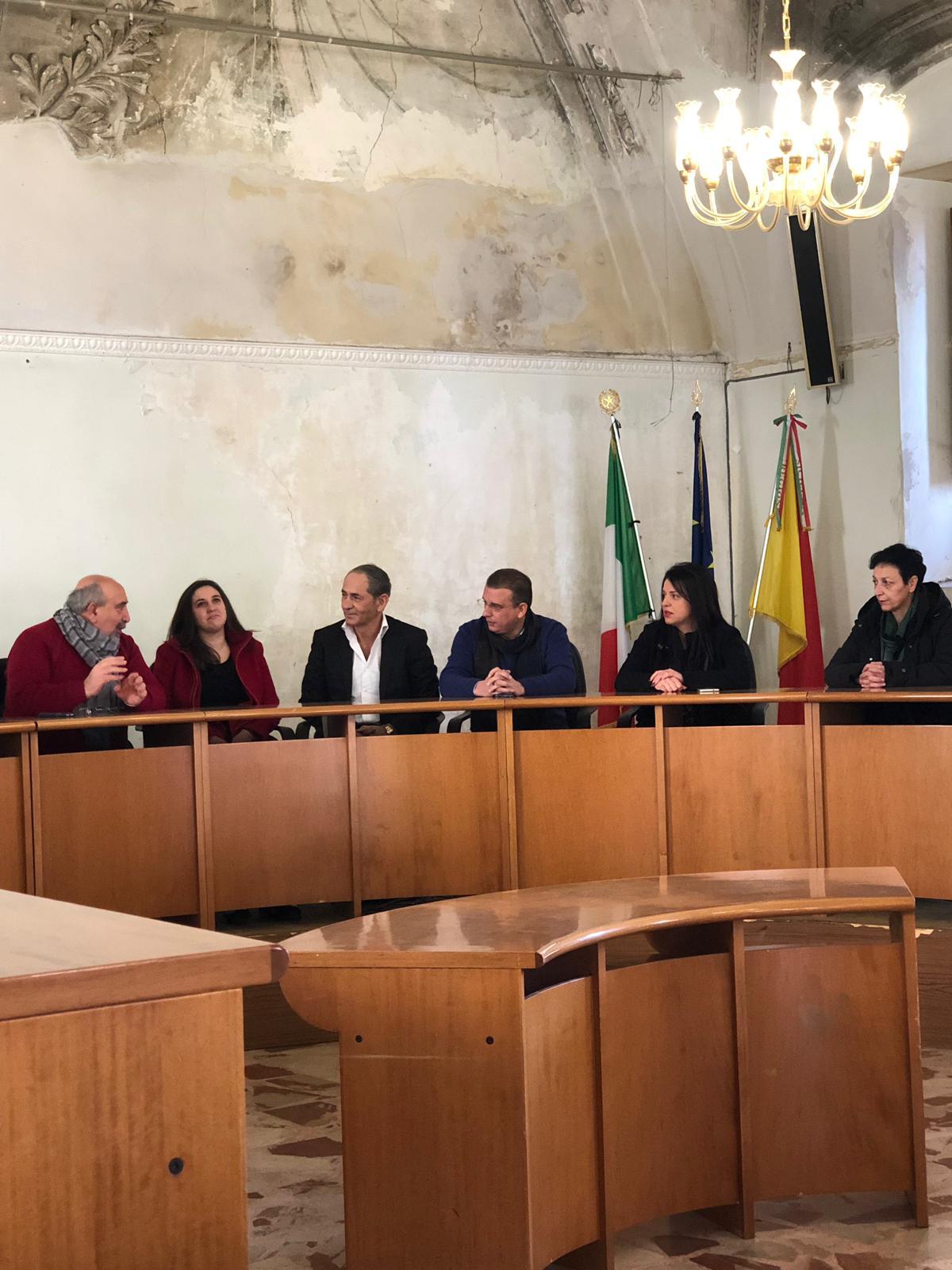 """Capizzi, Aurelia Torregrossa aderisce a Forza Italia, Calderone (FI): """"Farà bene, ragazza attiva per la valorizzazione del suo territorio"""""""