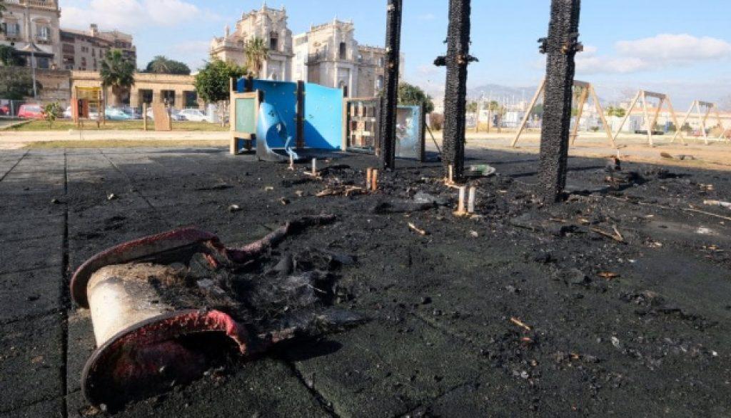 """Incendio al Parco della Salute, M5S: """"Tutelarlo e replicarlo in altre zone della città"""""""
