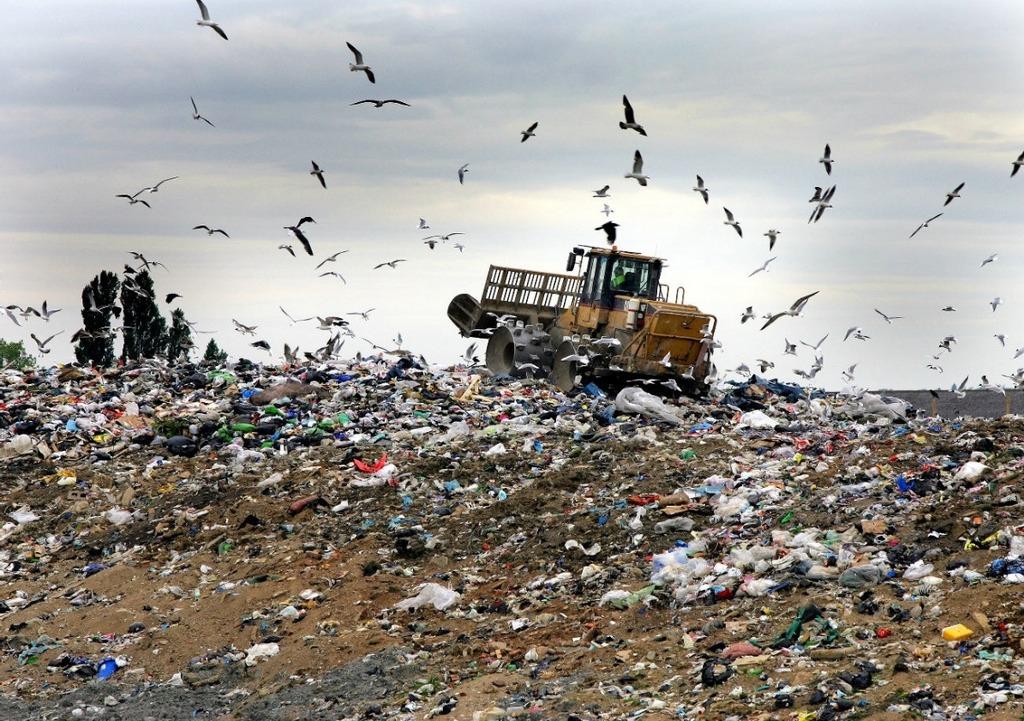 Palermo: la Procura indaga sul piano rifiuti voluto dal governo Musumeci. Al vaglio possibili intrallazzi tra politici e burocrati regionali