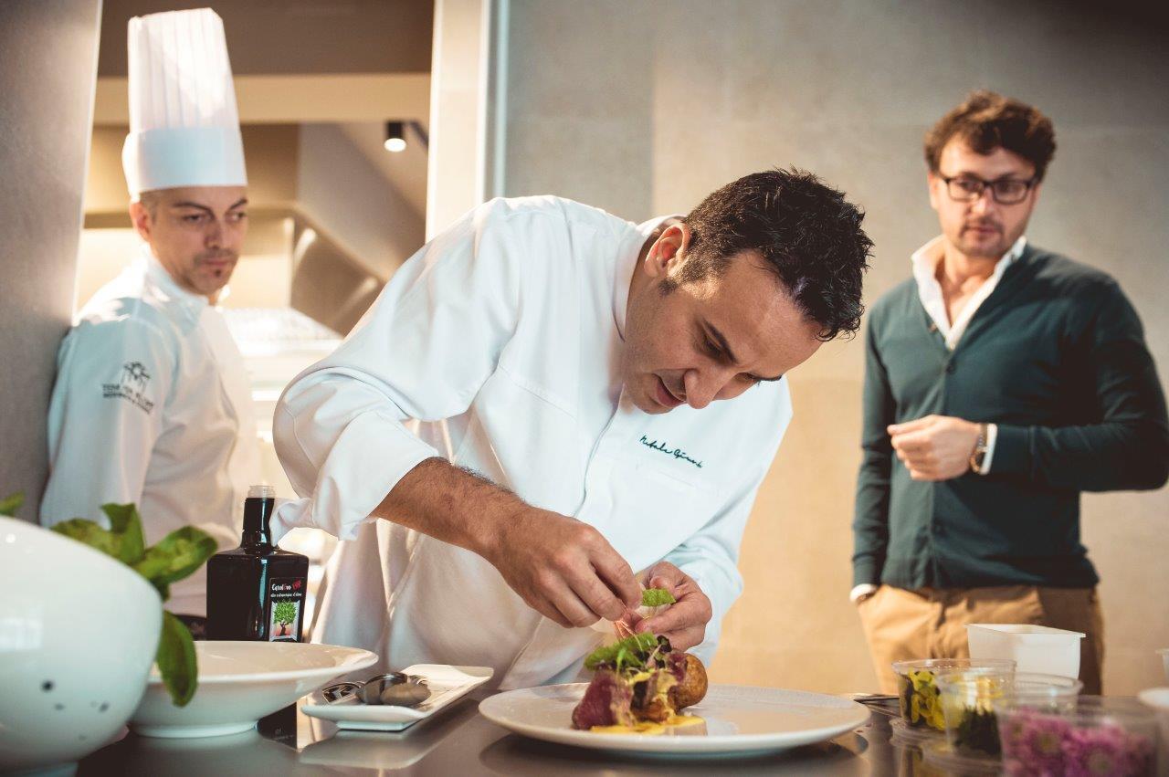 ExpoCook: per la prima volta in Sicilia, lo chef Natale Giunta, presenta la sua sfera di tiramisù