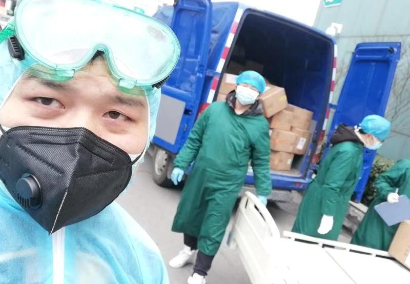 Coronavirus: Save the Children consegna 36 mila mascherine agli operatori sanitari di Wuhan