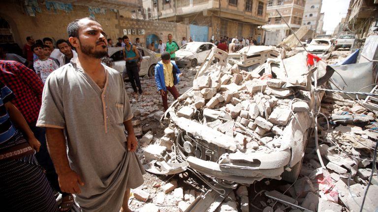 Yemen: Save the Children, positiva riapertura dell'aeroporto di Sanaa a voli sanitari ma deve essere esteso anche a voli commerciali per medicinali, strumentazione sanitaria e beni indispensabili