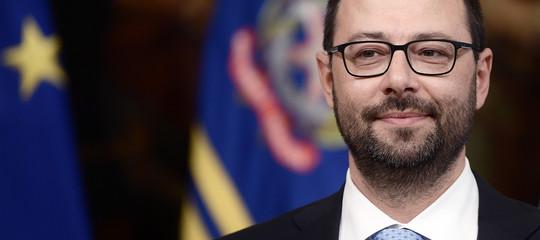 """I tedeschi di Allianz mettono le mani sulle autostrade italiane? Patuanelli smentisce """"La Stampa"""""""