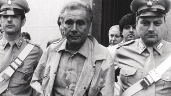 """«Dunque, dove eravamo rimasti?» Trentadue anni fa ci lasciava Enzo Tortora"""" massacrato da magistrati poco attenti"""