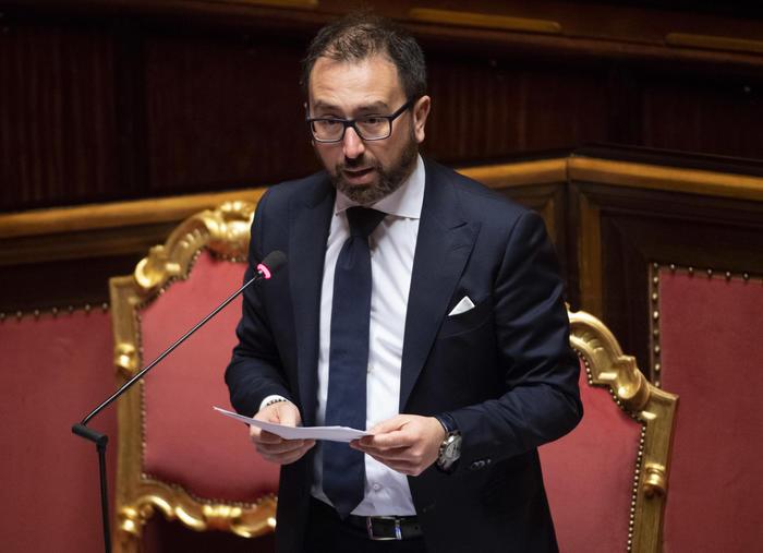 Giustizia:  si dimette il capo di gabinetto di Bonafede intercettato assieme a Palamara per garantire poltrone