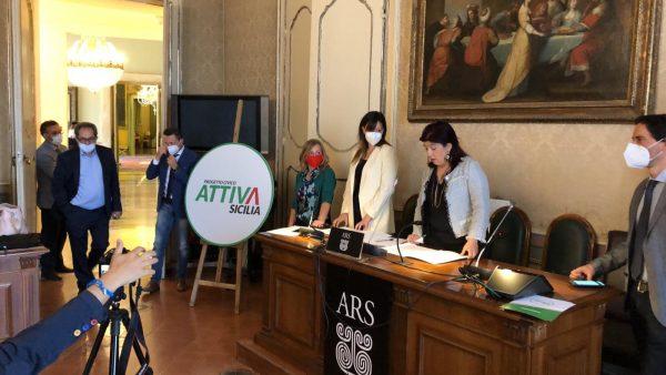 """Gli ex amici di Grillo fondano """"Attiva Sicilia"""" all'ARS"""