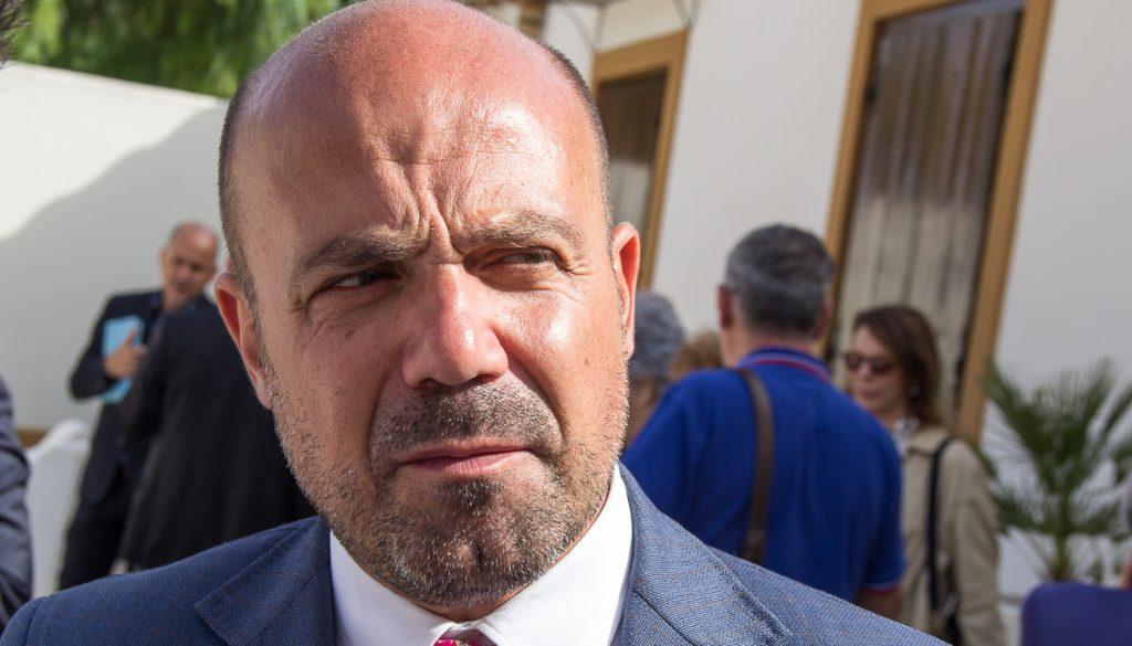 Arrestato, ma la Regione impegna 51.000 euro per pagarlo.