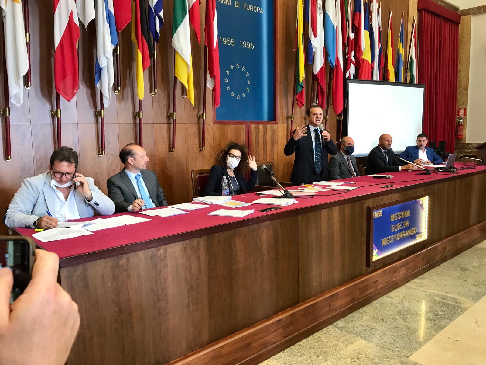 """""""Riparte Messina"""", ritorna il sindaco De Luca e lancia un piano infrastrutturale da 500 milioni di euro per l'apertura di 166 cantieri"""
