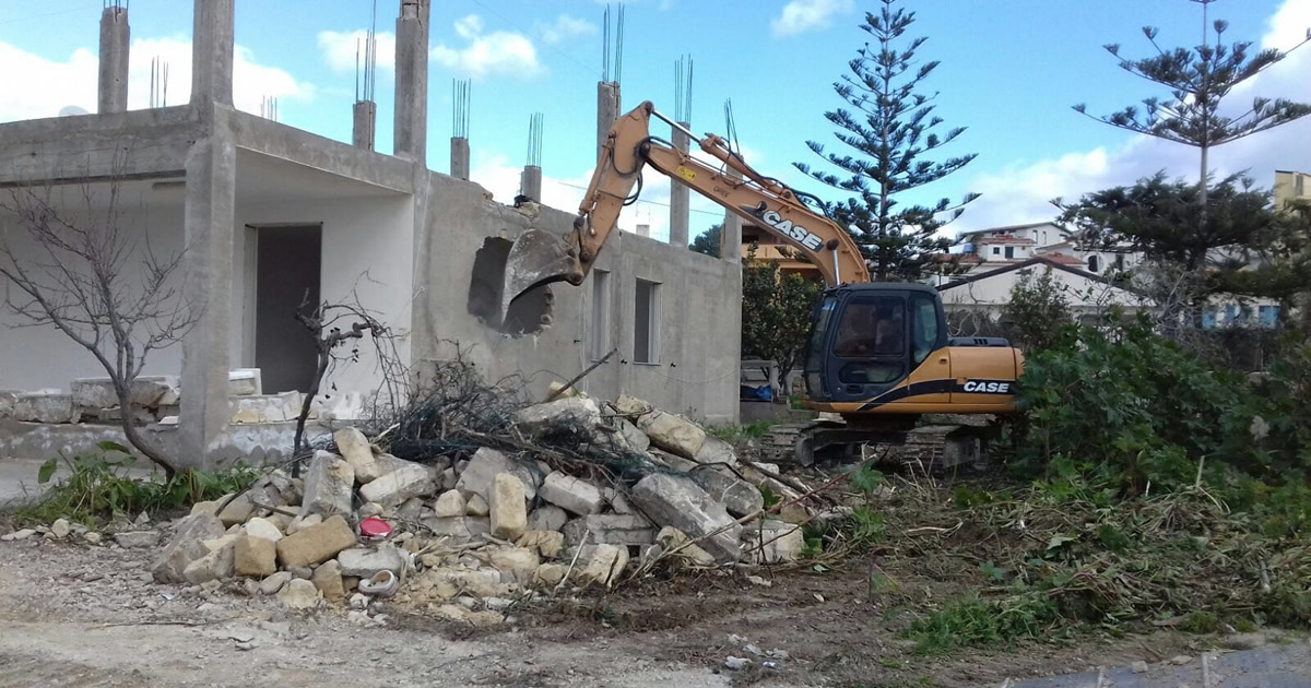 Abusivismo: il Governo Musumeci prepara una nuova sanatoria. Le opposizioni si agitano