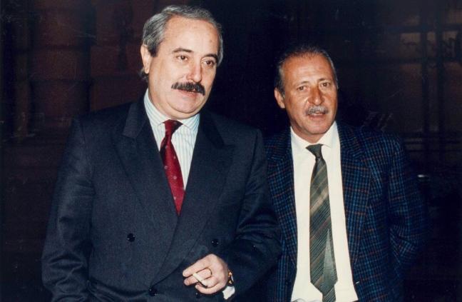 Falcone e  Borsellino  indagarono sui misteriosi contatti tra la mafia  e Gladio