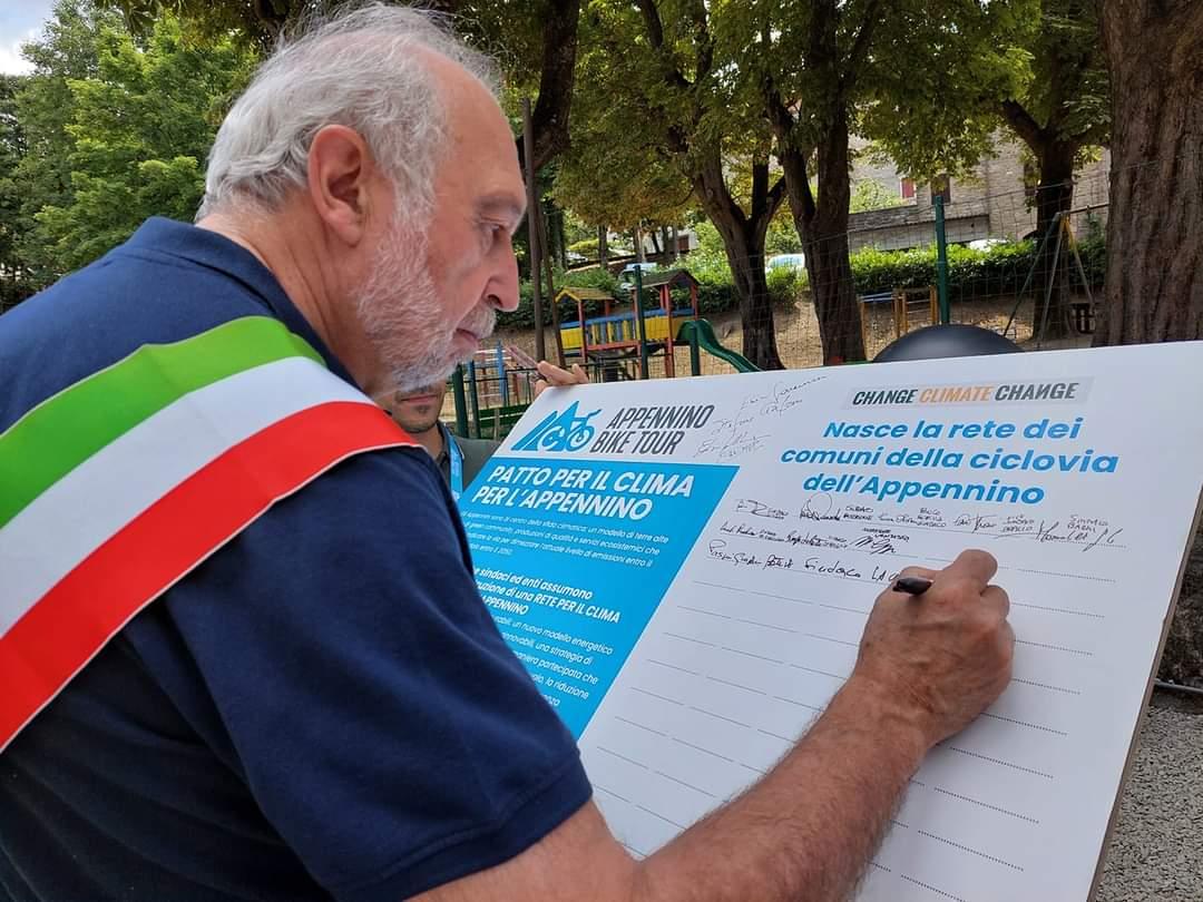 """Si conclude in Sicilia la quarta edizione di """"Appennino Bike Tour 2021"""", la ciclovia più lunga d'Italia ad opera di Legambiente e Vivi Appennino"""