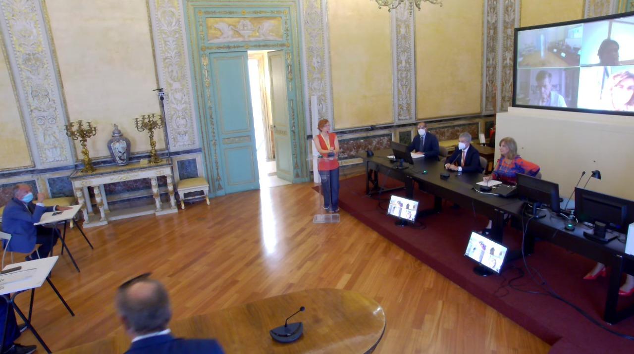 """Tumori al seno in Sicilia, appello commissione Salute Ars: """"Accogliete l'invito per il test mammografico gratuito"""""""